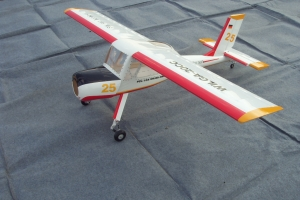 "118"" Wilga PZL-104 50-100cc Tow Plane White/Red (for Pre-order Customers from USA) (USA Warehouse)"