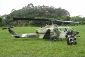 ROBAN AH-1 700 size Helicopter-ARF